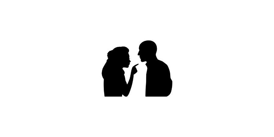 Männer-kritisieren-Frau-kritisiert-Mann
